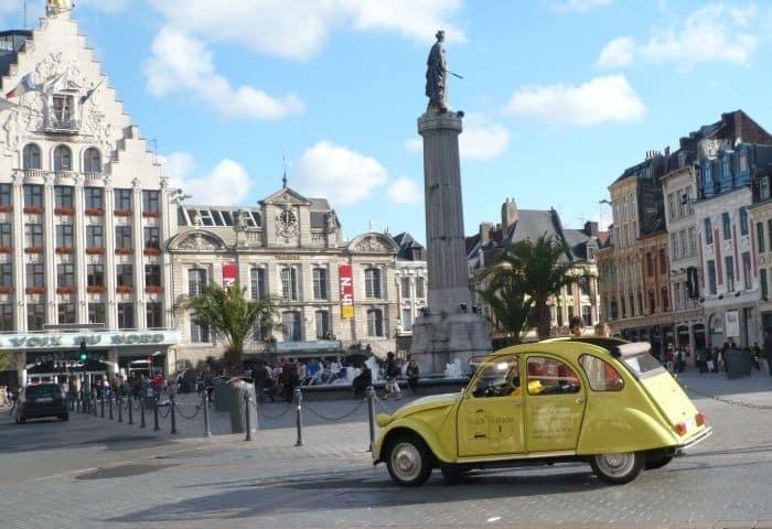 [IDEE DE VACANCES] Un séjour insolite à Lille en 2CV