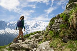 femme randonnée montagne